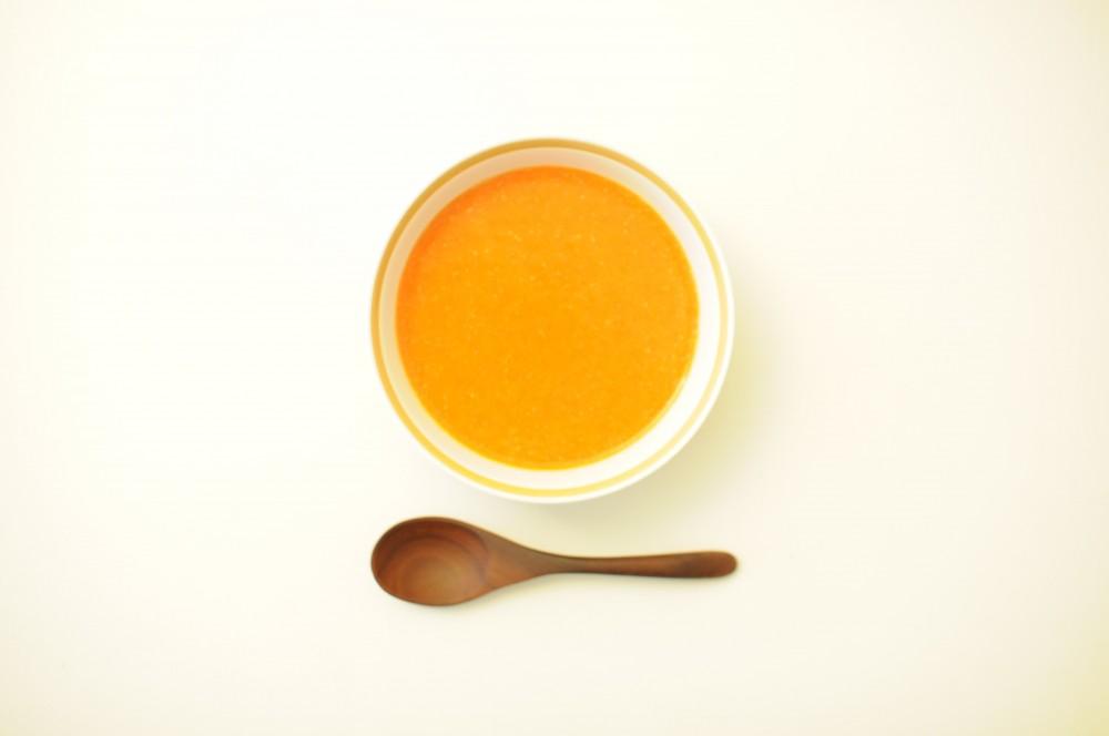 パプリカとラズベリーの冷製スープ